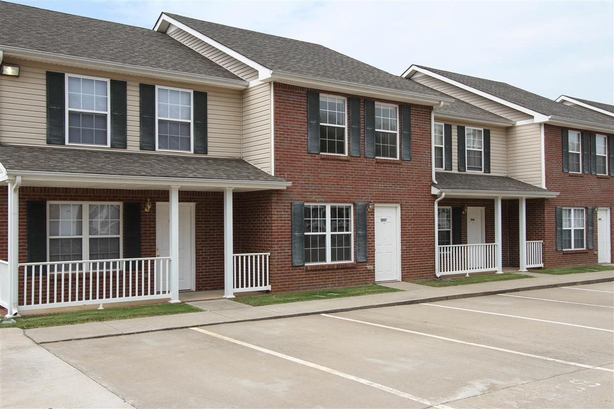 gateway village townhomes apartments apartment in clarksville tn
