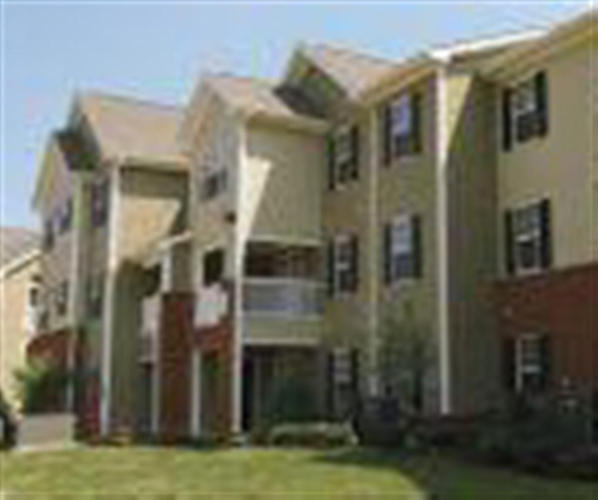 Needmore Place Apartment In Clarksville Tn