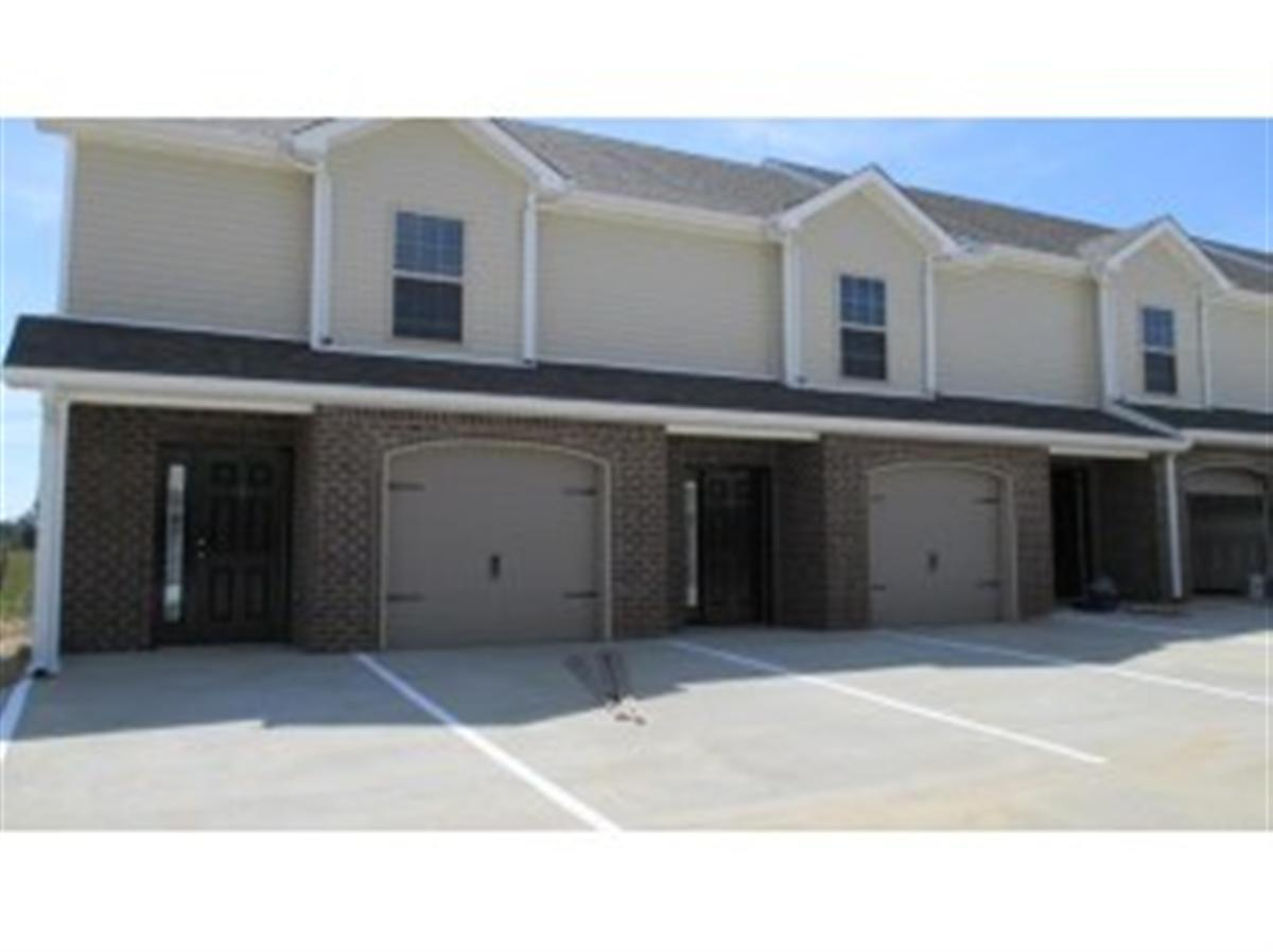 Stowe Court Townhomes Apartment In Clarksville TN
