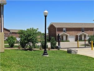 Centre Townhomes apartment in Clarksville, TN