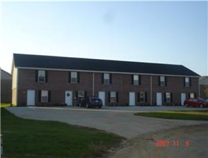 Coyote Court Townhomes apartment in Clarksville, TN