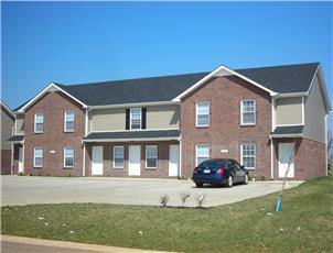 Oak Arbor Townhomes apartment in Clarksville, TN