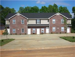 Quail Ridge Townhomes apartment in Clarksville, TN